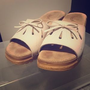 Shoes - Comfy slip-on sandals in cream